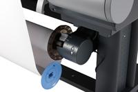 出力された用紙を自動的に巻き取る「用紙巻き取り装置」を標準装備