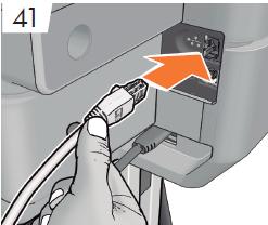 LANで接続する予定の場合は、Ethernetケーブルを 接続します。 LANで接続しない場合は、 手順53に 記載されている説明に従って下さい。