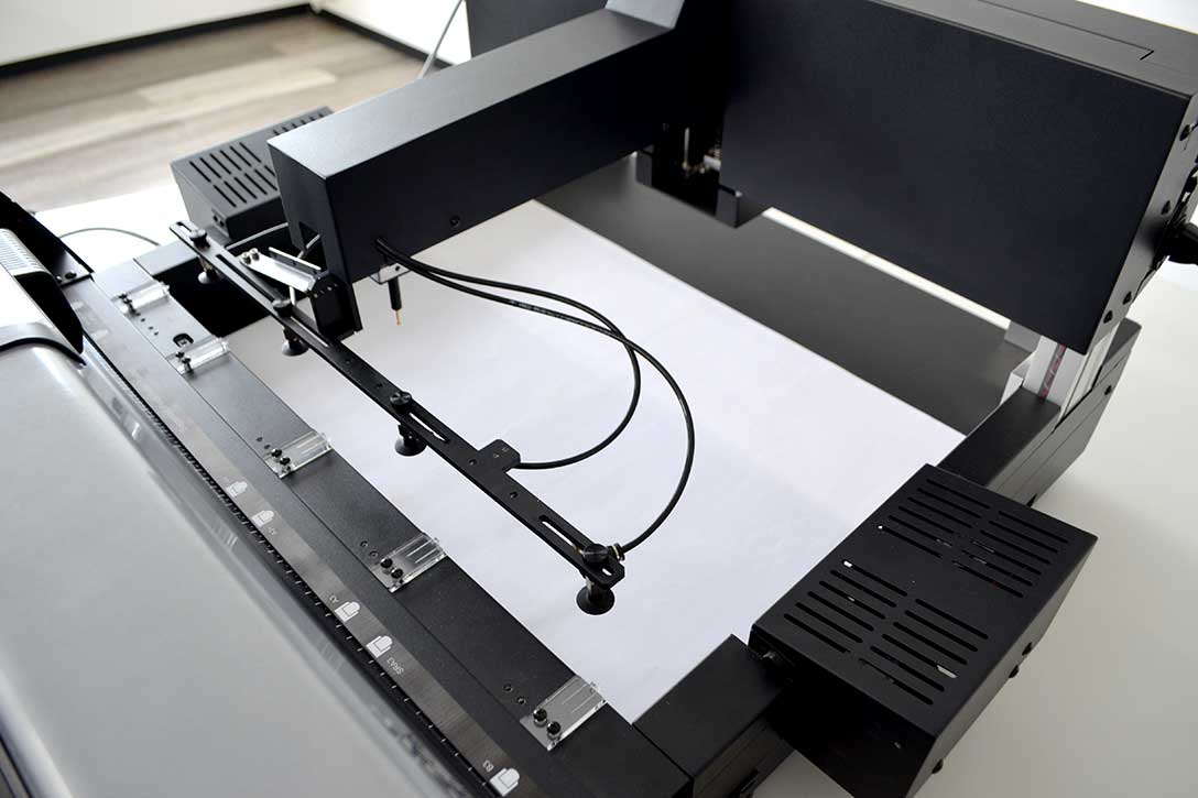 カッティングマシン・カッティングプロッター GCC JaguarVLXの他製品との違い:B3サイズ対応
